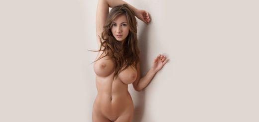 Tiny nude blonde